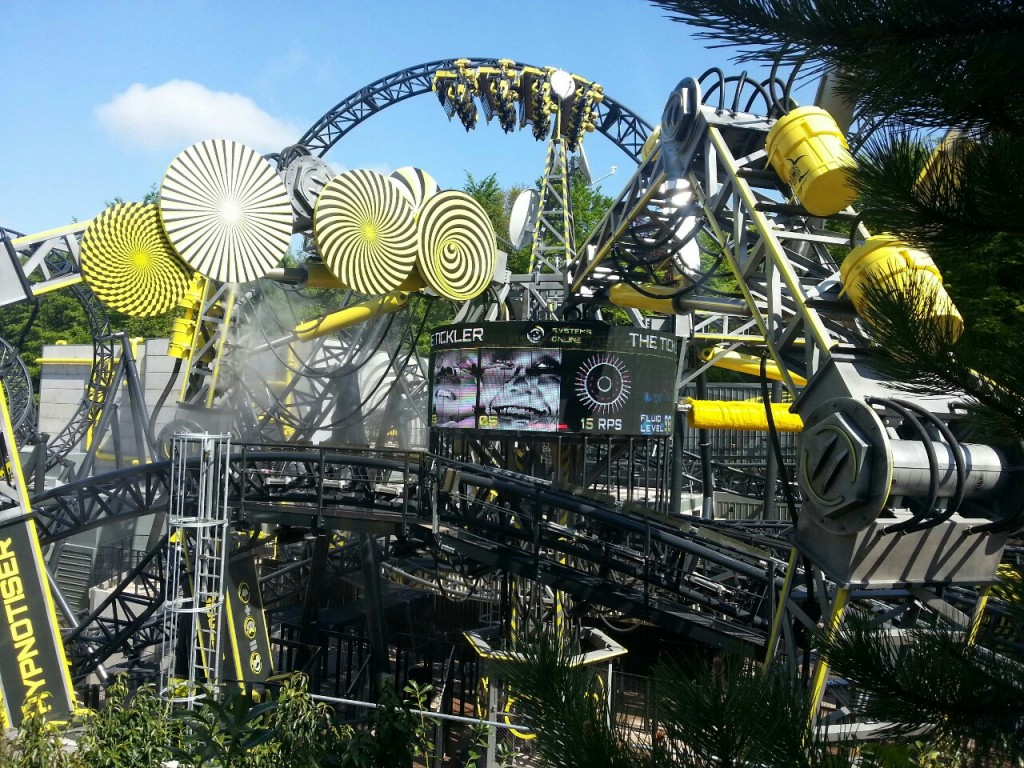 the-smiler-rollercoaster-opening-day-at-alton-towers