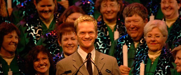 Celebrity Narrators Confirmed for the 2015 Candlelight Processional at Epcot