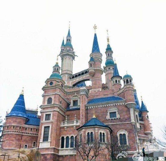 enchanted-storybook-castle-2