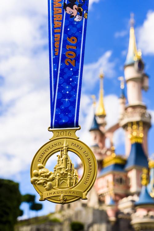 Disneyland Paris half marathon medal 2016