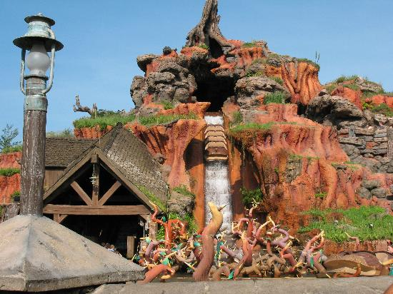 Splash Mountain Closing This Summer for Long Refurbishment