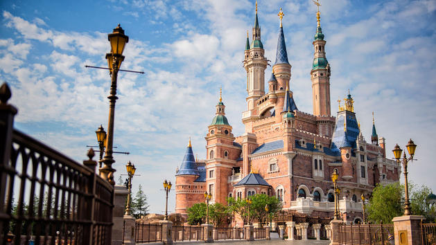 Shanghai Disneyland Reporting Close to 6 Million Guests in First 7 Months