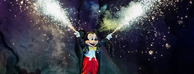 Episode 130 – We Read Poor Reviews of Fantasmic at Walt Disney World!