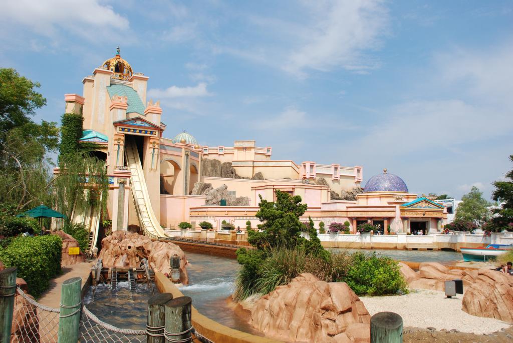 Journey to Atlantis exterior at SeaWorld Orlando
