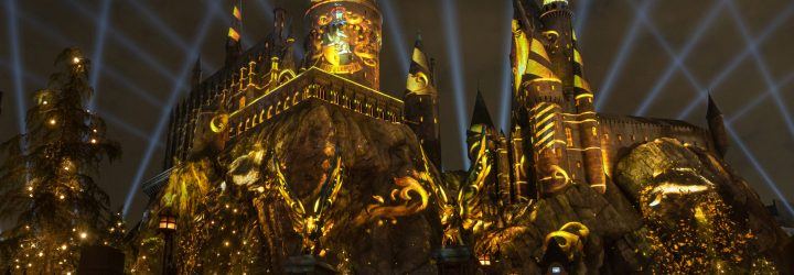 Watch the Technical Test of Nighttime Lights at Hogwarts Castle at Universal Studios Hollywood!