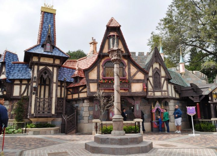 Live Music is Returning to Disneyland this Summer!