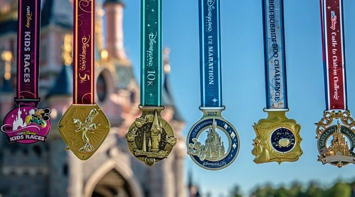 2017 Medals Revealed for Disneyland Paris Half Marathon Weekend!