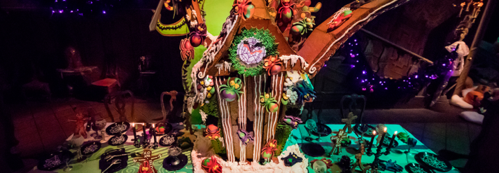Check Out How Disney Installs The Haunted Mansion Gingerbread House At Disneyland