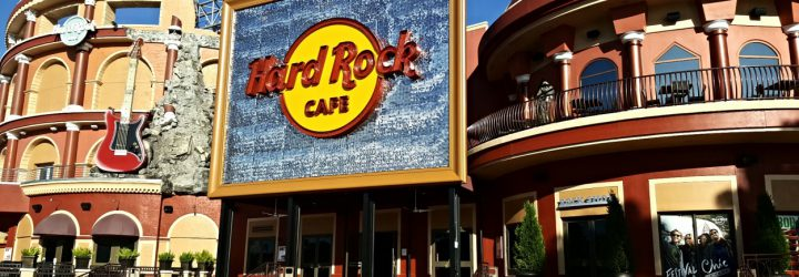 Episode 133 – We Read Poor Reviews of Hard Rock Cafe in Universal Orlando!